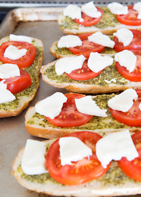 Pesto Caprese Bread-1