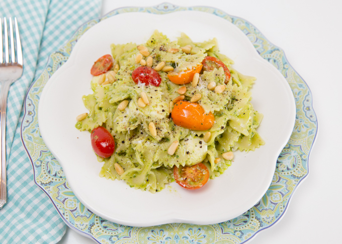 Caprese Avocado Pesto Pasta