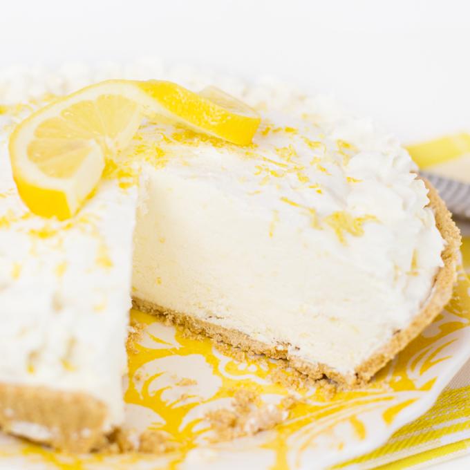 Lemon Frozen Yogurt Pie