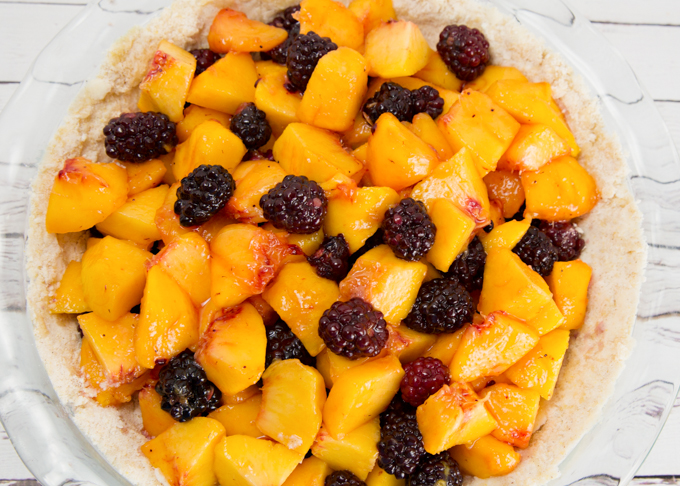 Blackberry Peach Crumble Pie