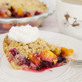 Blackberry Peach Crumb Pie