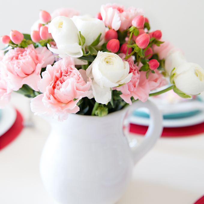 Red & Aqua Valentines Tablescape