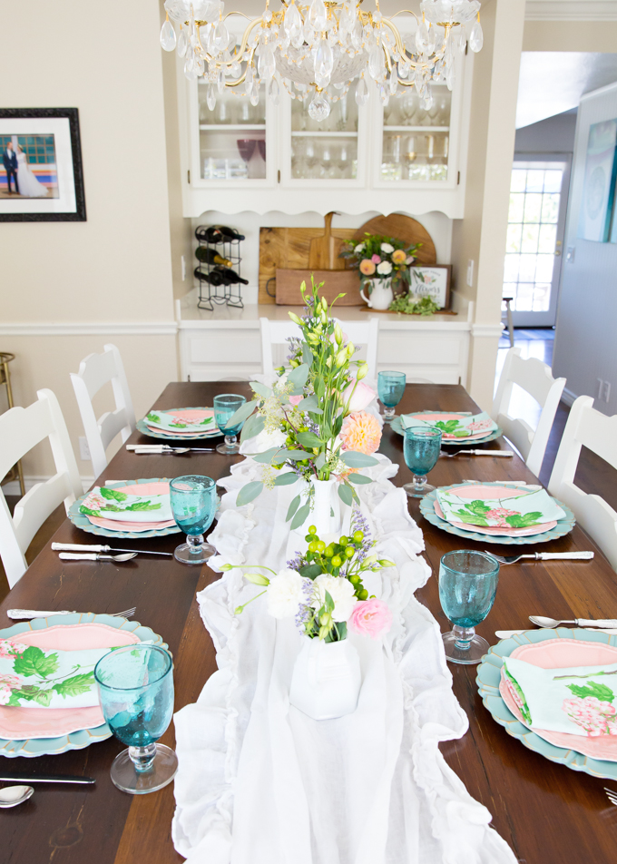 Pink & Aqua Summer Tablescape